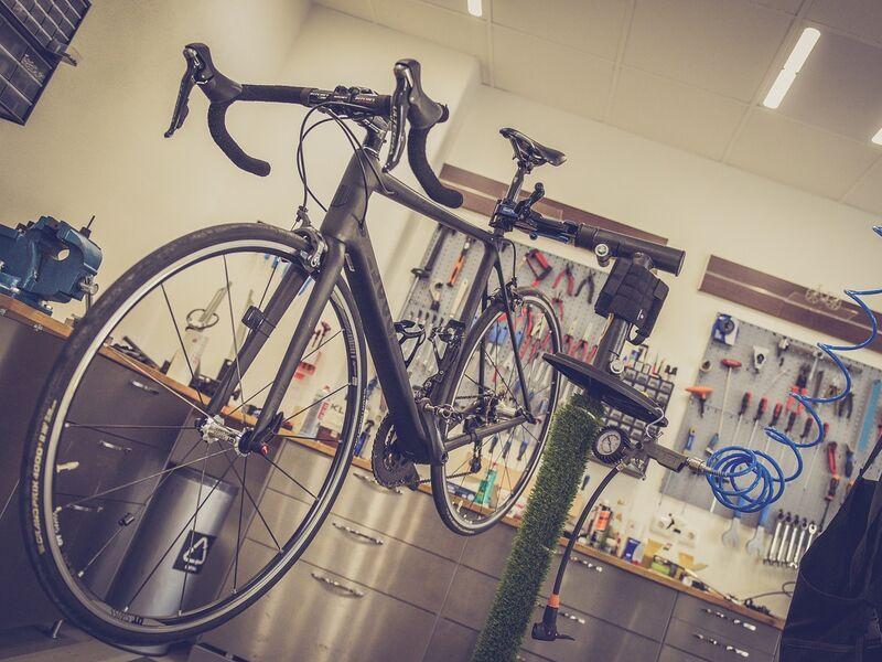 colgar bicicletas, soporte bicicleta, soporte bici, soporte taller bicicleta, soporte bicicleta decathlon, soporte bicicleta lidl, colgar bici, soporte bicicleta leroy merlin, soporte reparacion bicicleta lidl, colgador para bicicletas, ganchos para colgar bicicletas decathlon